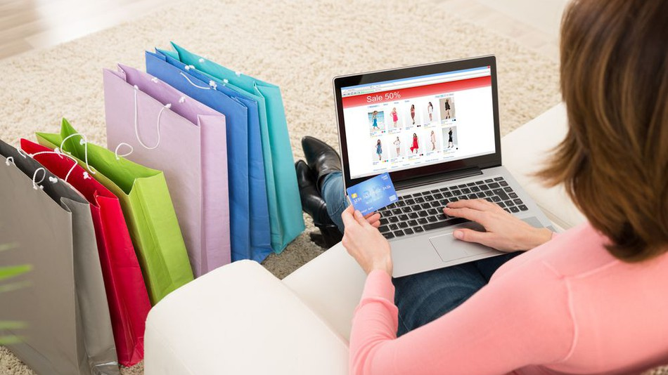 Jak Polacy oszczędzają na e-zakupach