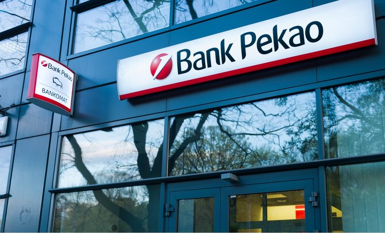 Bank Pekao ostrzega przed oszustami powołującymi się na błąd w przelewach split payment