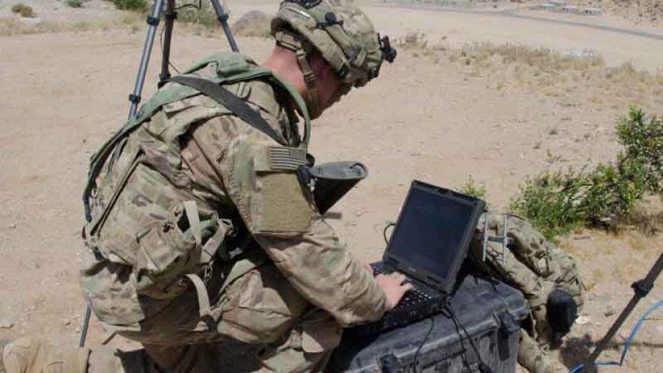 MON pracuje nad powołaniem wojska obrony cyberprzestrzeni