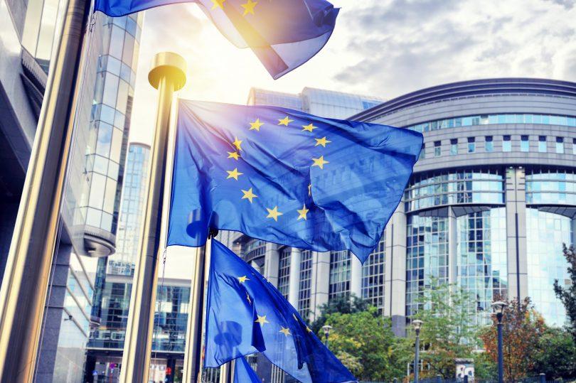Łatwiejsze e-zakupy w Unii Europejskiej dzięki zakazowi geoblokowania