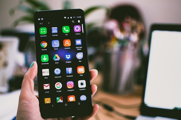 Aplikacje na Androida przejmowały zdjęcia i wyświetlały materiały pornograficzne