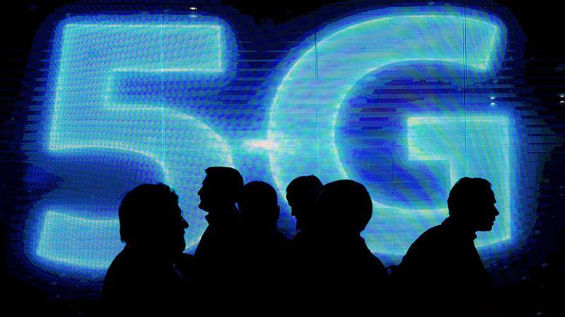 Ministerstwo cyfryzacji w walce z fake newsami ws. technologii 5G