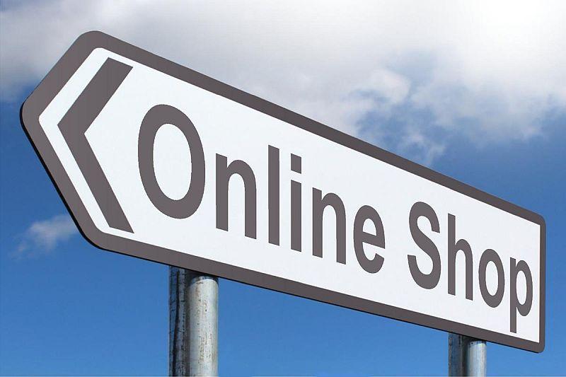 Polacy coraz chętniej kupują w sieci