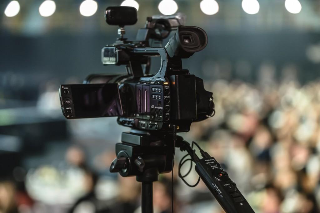 Nagrywanie i transmisje z posiedzeń w samorządach, a ochrona danych