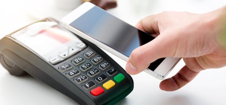Limit płatności kartą bez PIN-u. Czy zostanie podniesiony z powodu koronawirusa?