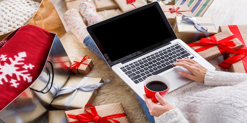 Prezenty świąteczne kupimy online?