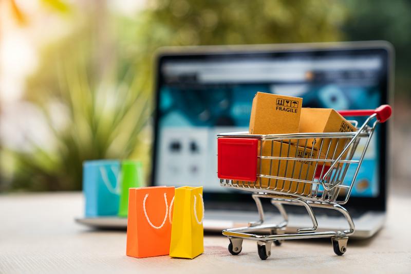 Jak zachować bezpieczeństwo podczas zakupów i płatności online?