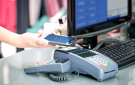 e-terminale będą wypierać gotówkę
