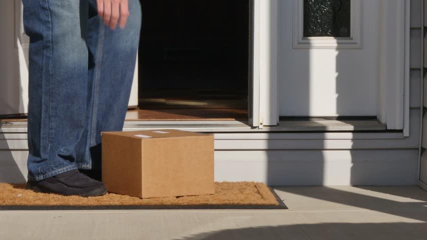 Czy kurier może zostawić przesyłkę u sąsiada?